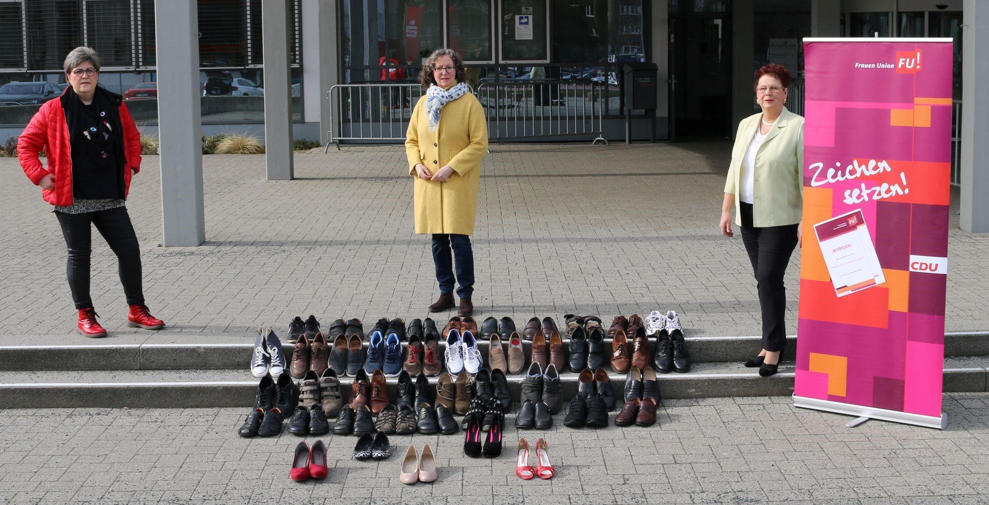 Sie wollen Frauen motivieren, sich in die Politik einzubringen (v.l.n.r.): Sabine Thiele (stv. Kreisvorsitzende der Frauen Union), Andrea Kempe (Kreisvorsitzende  CDU Salzgitter) und Inge Pelzer (Kreisvorsitzende Frauen Union)